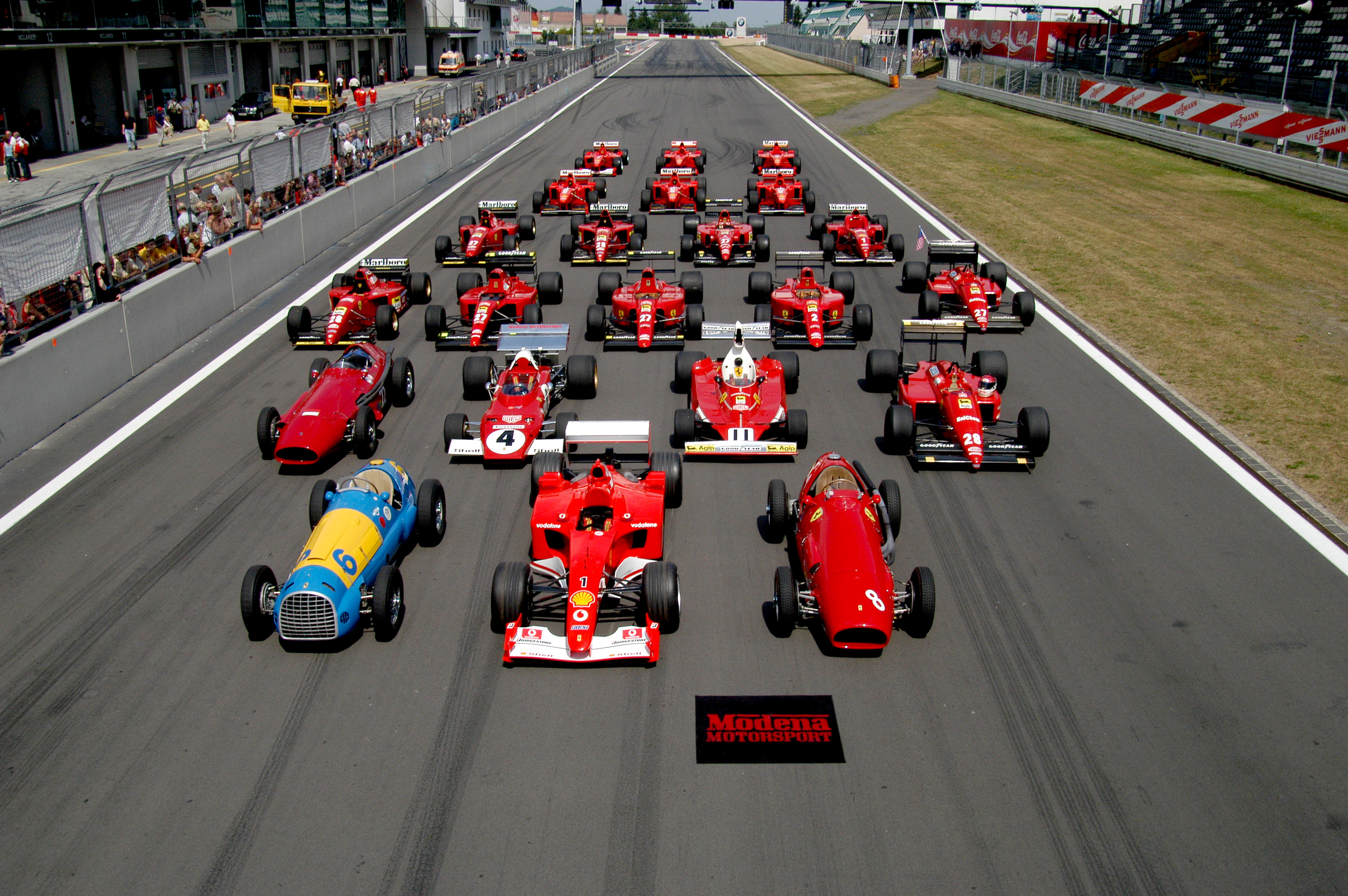 Ferrari_Formula_1_lineup_at_the_Nürburgring