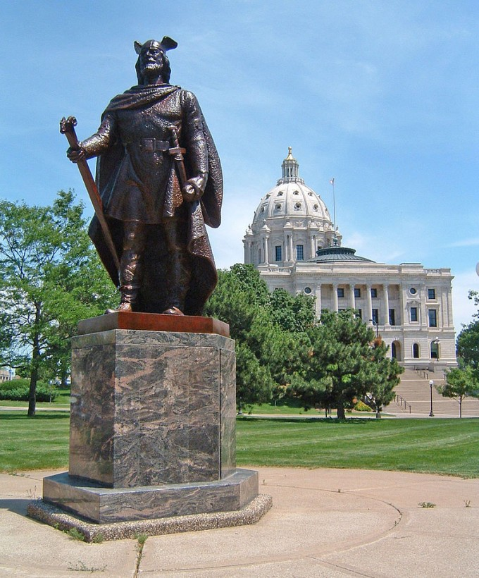 800px-Viking_at_MN_Capitol