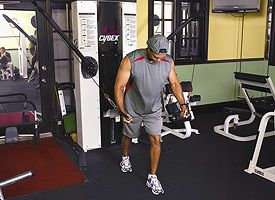 tiger-woods-work-out-at-gym-2