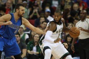 NBA: Preseason-Dallas Mavericks at Milwaukee Bucks
