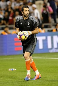 Gianluigi_Buffon_(31815848711)